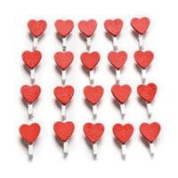 kalp giyim klipleri toptan satış-100 adet / paket Mini Kalp Aşk Ahşap Giyim Fotoğraf Kağıdı Peg Pin Clothespin Craft Kartpostal Klipler Ev düğün Dekorasyon