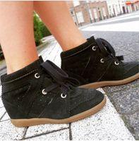 siyah yüksek takozlar toptan satış-Yüksek Kalite Siyah Kırmızı Bej Süet Moda Ayakkabı Sonbahar Kış Ayak Bileği Botas Mujer Düz Casual Kadın Sneakers Lace Up Gizli Kama Çizmeler