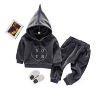zwei jungen mädchen babys großhandel-Kindkordsamtklage für Jungen mit Kapuze Sweatshirt + Hose beiläufiges zweiteiliges gesetztes Trainingsanzugfallwinterart und weisebabykindmädchen YY234