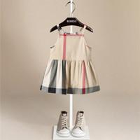 saf pamuklu kız elbiseleri toptan satış-Sıcak Satış Saf Pamuk Ekose Elbise Patchwork Bebek Kız İngiltere Stil Ekose Kız Elbise Çocuk Yumuşak Kolsuz Rahat Ekose Elbise