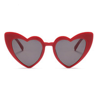 óculos em forma de sol venda por atacado-Amor coração óculos de sol para as mulheres 2018 moda cat eye óculos de sol preto rosa coração vermelho forma óculos de sol para homens uv400