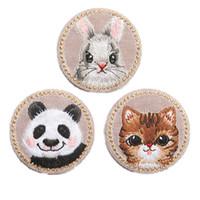 apliques de hierro gato al por mayor-Bordado Panda Conejo Gato Parches De Hierro de Coser En la Insignia Creativa Para Bolsa de Jeans Sombrero Apliques DIY Trabajo Hecho A Mano Etiqueta Etiqueta Decoración
