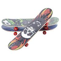 tablero del cráneo al por mayor-Niños Double Warping Skateboard PU Rueda Skate Board Sturdy Safe Maple Skull Kid Cartoon Pegatina de Silicona Longboard Hot Sale 24 5sb Y