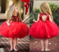 ingrosso abiti rossi della bambina rossa-2018 Economici Bella Rosso Breve Fiore Ragazze Abiti In Pizzo Increspature Tulle Abito Tutu Ball Gown Little Girls Abiti Da Sposa Formale Partito MC1482
