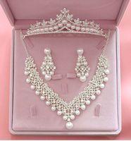 свадебные наборы для тиары оптовых-Роскошные хрустальные жемчужные наборы свадебных украшений для невест ожерелье + тиара корона + серьги ювелирные наборы для невест аксессуары для волос