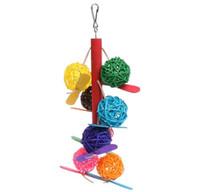 juguetes de aves envío gratis al por mayor-Envío Gratis Pet Parrot Toy Bird Bell Ball Para Parakeet Cockatiel Chew Fun Cage Toys Nuevo