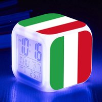 relógios italianos venda por atacado-Toque de Iluminação Do Italiano da Bandeira LED Relógio de 7 Cores de Flash LED Digital Relógio Despertador Lâmpadas Reloj despertador horloge digitale