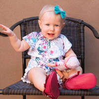 t kugelsätze großhandel-Mädchen zweiteilige Kleidung Sets Twinset Kurzarm T-Shirt Floral bedruckte Pullover + Shorts mit kleinen Kugeln Edge 3-18M
