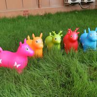 ingrosso regali a forma di cavallo-I bambini gonfiabili di salto del giocattolo elastico del cervo del capretto Interazione del bambino gioca i giocattoli a forma di animale del PVC regalo preferito 17jd WW