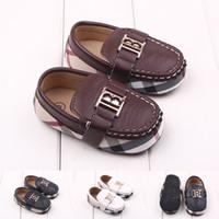 çift erkek ayakkabı toptan satış-Yeni Tasarım 1 pair Band Erkek Bebek Ayakkabıları Ilk Yürüteç, Çocuk Bebek / Toddler yumuşak ayakkabılar + YAŞ 3-12 M, Süper Kalite prewalker Ayakkabı