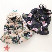 flor largo abrigo abajo al por mayor-Nuevos niños Floral con capucha de invierno niñas manga larga de terciopelo más gruesa flores Outwear niños abajo capa 2 colores C3272