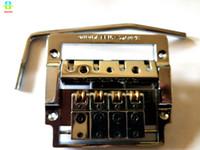 ponts de guitare achat en gros de-NOUVEAU KAHLER TREMOLO BASS BRIDGE 4 CORDES CHROME ET NOIR Pont de guitare électrique KAHLER 4410