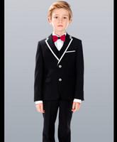 casaco de meninos venda por atacado-Custom Made Slim Fit Menino Smoking 2018 Notch Lapel Crianças Ternos Branco / Preto Crianças Wedding / Prom Ternos (Jacket + Vest + Pants + Tie)