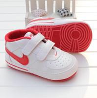 corazón bebé zapatos niño al por mayor-Patrón del recién nacido Niño Niña estrella del corazón Los niños primeros caminante niños atan para arriba las zapatillas de deporte de la PU 0-18 Meses regalo zapatos de bebé