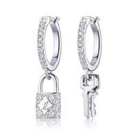 acryl urlaub baum großhandel-Frauen Berühmte Marke Baumeln Ohrring mit Briefmarken Schloss Schlüssel Silber Ohrring Luxusmarke Designer Schmuck Top-qualität