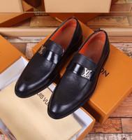 leder stiefelsandalen großhandel-Litchi Leder Business Schuhe 2075 Guan Männer Kleid Schuhe Stiefel Loafers DRIVERS BUCKLES SNEAKERS SANDALEN