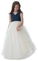 şifon fıstık çiçek kız elbiseleri toptan satış-Güzel FildişiLavy Mavi Tül / Şifon V Yaka Çiçek Kız Elbise Kızların Pageant Elbise Brithday / Tatiller Elbise Özel Boyut 2-14 FF726138
