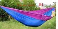 тканевые гамаки оптовых-Портативный нейлон одного человека гамак 230 * 90 см парашют парашют ткань гамак для путешествий туризм рюкзак кемпинг гамак
