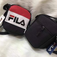 pequeña bolsa de mensajero al aire libre al por mayor-Bolsos de hombro de la marca Diseñador de moda Messenger Bag Hombres y mujeres Bolsos de Crossbody Paquete de aleta pequeña al aire libre