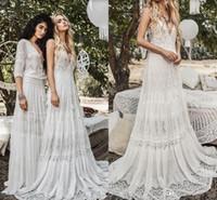 beach wedding dresses achat en gros de-Mousseline De Soie Plage Boho Robes De Mariée Modeste Vintage Au Crochet De Dentelle Col V Été Vacances Pays Robes De Mariée