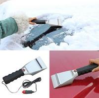 lampe de poche 12v achat en gros de-12V chauffé auto grattoir à glace avec lampe de poche en acier inoxydable voiture chauffage pelle à neige pour enlever la neige Outils à main KKA3974