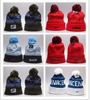 ingrosso berretti ricamati di modo-Berretto di lana lavorato a maglia con cappuccio lavorato a maglia gomitolo di lana di New Jersey invernale di alta qualità per berretti invernali all'aperto moda unisex come sci ecc.