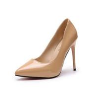 modelo desnuda sexy al por mayor-El modelo 2018 de zapatos de tacón alto desnudos con tacones de aguja puntiagudos y boca baja es sexy con los zapatos de mujer.