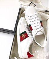 sapatos para cães venda por atacado-Mens Ace sneaker designer de luxo sapatos Sapatos Casuais mulheres brancas sneakers bom bordado bee cock tiger dog dog no lado Formadores