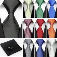siyah ipek kravatlar erkekler toptan satış-Erkekler için aksesuarlar Bağları Katı Çizgili Desen İş Ipek Kravat Setleri Hanky Mendil Kol Düğmeleri Kırmızı Siyah Kravat Gravatas