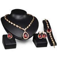gelin setleri altın elmas taklidi toptan satış-4 adet / takım Kristal Gelin Takı Setleri Altın Renk Rhinestone Kolye Kadınlar Için Düğün Nişan Takı Setleri