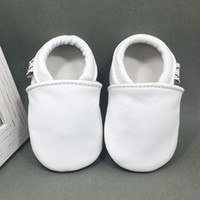Wholesale 2018 baby first walkers for boys and girls in leather with soft sole best quality
