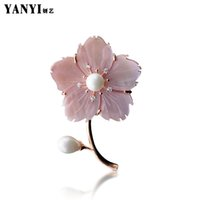новые красивые шарфы оптовых-YANYI New Arrivel Beautiful Shell Flower Brooches For Women Suit Sweater Scarf Collar Pink White Large Brooch Pins Lover Gifts