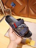 sacs blancs pour l'été achat en gros de-(Sacs à poussière + boîte) sandales Medusa Scuffs hommes de marque été huaraches tongs pantoufles noir blanc marque mocassins diapositives sandales designer