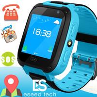 montres enfants gps achat en gros de-Q528 Enfants Montre Intelligente Enfant SmartWatch 1,44 Pouce Écran Tactile SOS Urgence GPRS Alarme Caméra Anti-perdu Horloge Montre-Bracelet Bébé Horloge