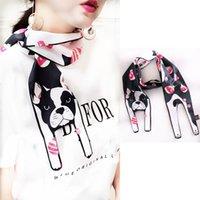 chien de soie achat en gros de-Europe et Amérique style coréen écharpe animal imitation soie chien mignon écharpe 172 * 16cm