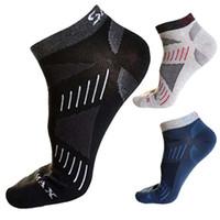 bambu alçak kesim toptan satış-3 Pair Yüksek Kalite Marka Çorap Erkekler / Kadınlar Kısa Ayak Bileği CoolMax Çorap Erkekler Nefes Bambu Kadınlar No Show Low Cut