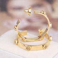 jóia linda marca venda por atacado-Top marca de ouro brincos de argola com projeto TT invertido para as mulheres de prata rosa de ouro elegante brincos linda menina brincos moda jóias estilo