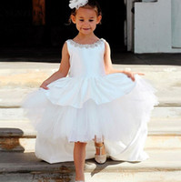 ingrosso long satin dress high neckline-Prima Comunione Dress High Low Flower Girls Dress Beaded Neckline Short Front Long Back Satin Chidren Abito abiti cerimonia bambina