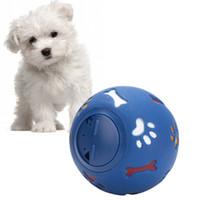 резиновый аромат оптовых-Собака Пищевой Мяч Игрушки Собака Утечки Головоломки Мяч Безопасное Взаимодействие Для Собак Молоко Аромат Резиновые Устойчивы К Укусу Красный Синий Игрушки