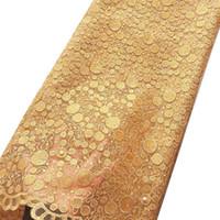 jarda de rendas de ouro venda por atacado-Os recém-chegados frisado tecido de renda guipure suíço ouro amarelo casamentos tule net tecido de renda africano 2018 de alta qualidade 5 quintal