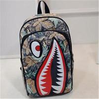 serin okul çantaları erkek toptan satış-Yeni Sırt Çantaları Graffiti Anime Shark Baskı Sırt Çantası Genç Erkek Kız Kadın Erkek Okul Çantaları için Serin Laptop Çantası Seyahat Sırt Çantası