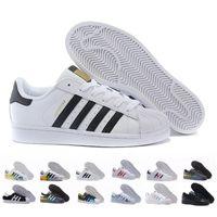 erkekler için siyah beyaz gündelik ayakkabılar toptan satış-Ücretsiz Kargo Süperstar Beyaz Siyah Pembe Mavi Altın Süperstar 80 s Gurur Sneakers Süper Yıldız Kadın Erkek Spor Rahat Ayakkabılar AB SZ36-45