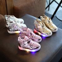 niños zapatillas de deporte alas al por mayor-Diseñador Nuevos niños zapatos luminosos con ala led niño Niños Zapatillas Moda Niños Zapatos Chaussure Enfant Kitty Niñas Zapatos baratos