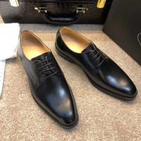 business casual chaussures de travail hommes achat en gros de-Hommes Marque Designer Chaussures de luxe Robe formelle Business Brogue Business Chaussures décontractées Male Wedding Office fonctionnant en cuir véritable Oxford Shoe