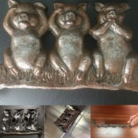 Wholesale carved doors - Hear No Evil See No Evil Speak No Evil metal Pigs Door Stop Statues Car Ornaments Home Office Decoration KKA5173