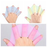 Wholesale Webbed Swimming Gloves - Silicone Hand Web Flippers Swim Gear Fins Silicone Training Gloves Webbed Gloves For Speeding Swim DDA66