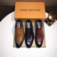 sapatos de grife italianos venda por atacado-Marca homem ponto toe vestido sapato designer italiano formal mens sapatos de couro genuíno preto luxo sapatos de casamento homens apartamentos escritório para o sexo masculino