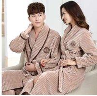 chemise de nuit en hiver achat en gros de-Chaud Hiver Flanelle Hommes Peignoir Femmes Automne Épais Velours Corail Polaire Robes De Bain Couple De Luxe Ceinture De Nuit Pyjama