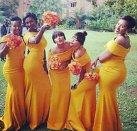 vestidos amarillos para damas de honor al por mayor-Vestidos sencillos de dama de honor de Nigeria Vestidos de dama de honor con cuello largo y escote amarillo Tren de barrido Tallas grandes Formal