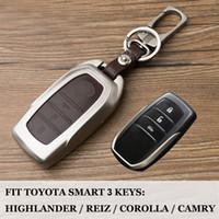 fundas para llaves toyota al por mayor-Para Toyota Highlander Land Cruiser Riez RAV4 Camry Prado 2/3 botones Smart Car keyfob tapa de la caja llave shell conjunto Monedero